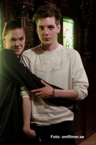 Saga Becker och Iggy Malmborg ur filmen Någonting måste gå sönder